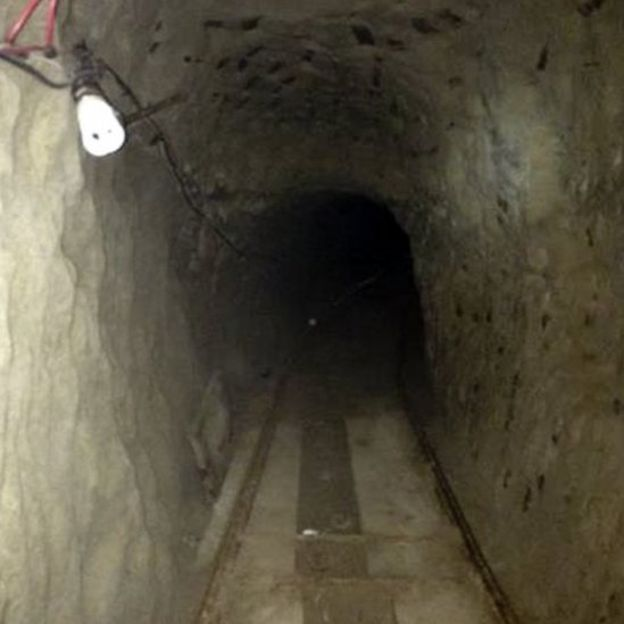Huge US-Mexico drugs tunnel found in San Diego