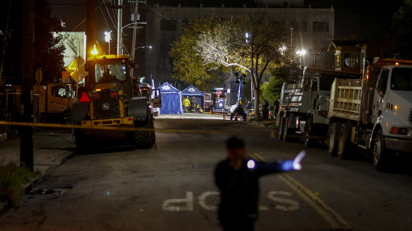 Oakland warehouse was a cluttered 'death trap' filled with pianos, RVs, but no fire sprinklers, former residents say