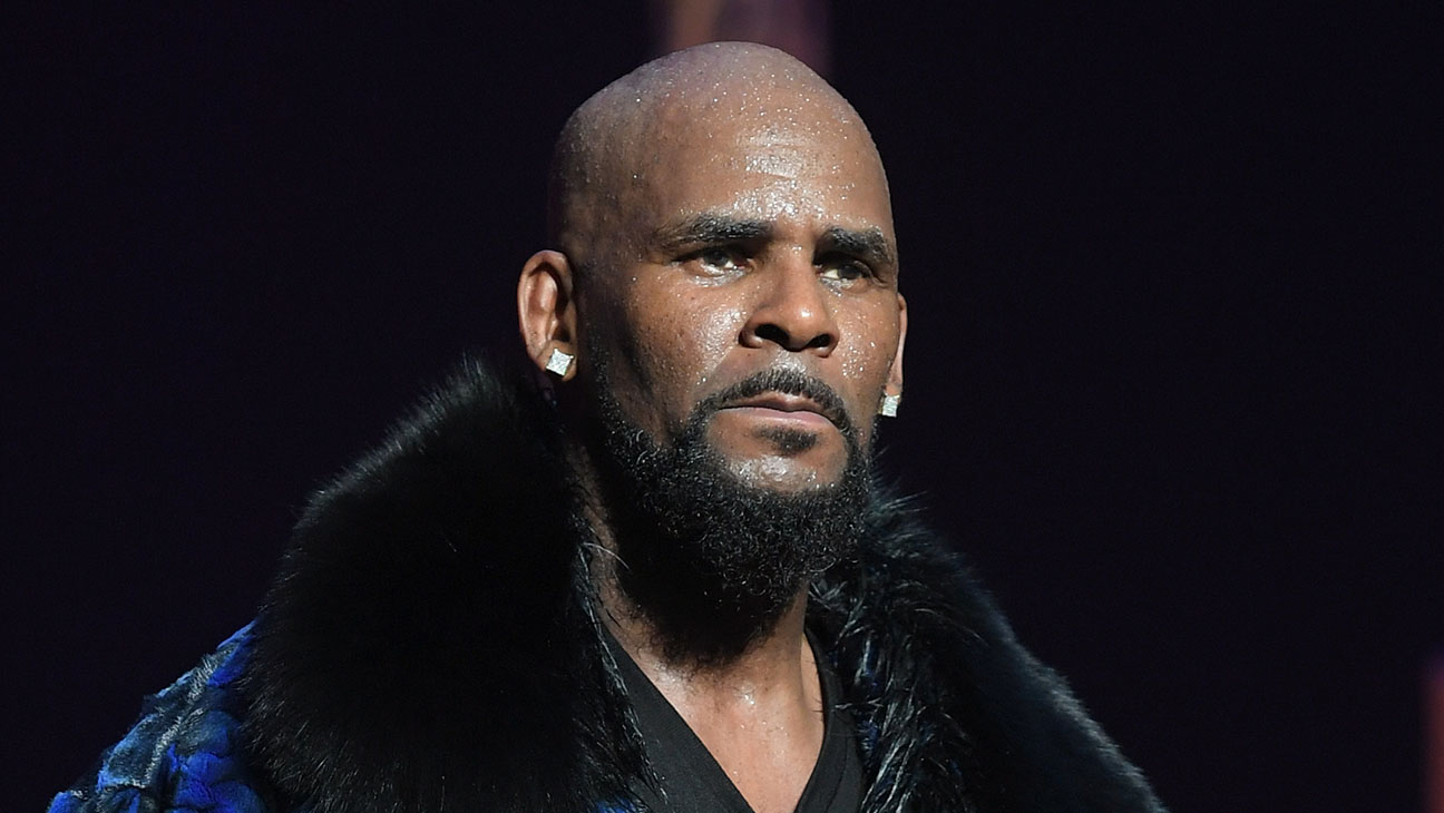 R. Kelly Charged in Chicago With 10 Counts of Criminal Sexual Abuse